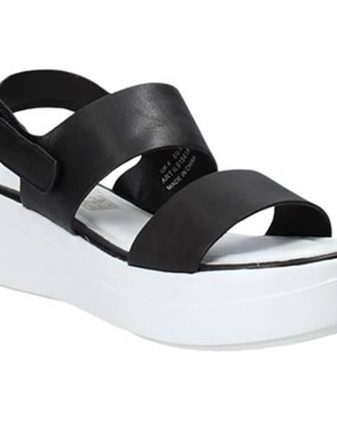 Čierne sandále Impronte