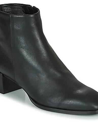 Topánky Castaner