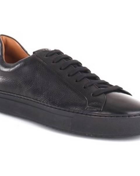 Čierne tenisky Doucal's
