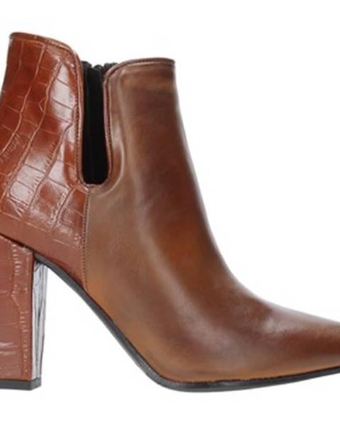Hnedé čižmy Grace Shoes
