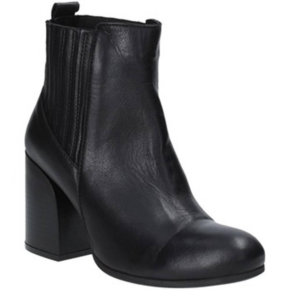Bueno Shoes Čižmičky Bueno Shoes  9P4801