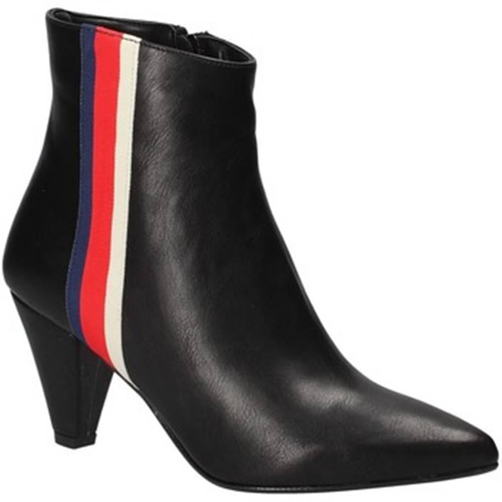 Grace Shoes Čižmičky Grace Shoes  1981