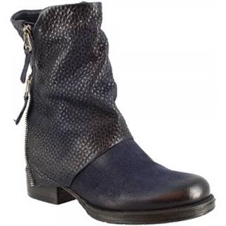Polokozačky Leonardo Shoes  185625 SPACE
