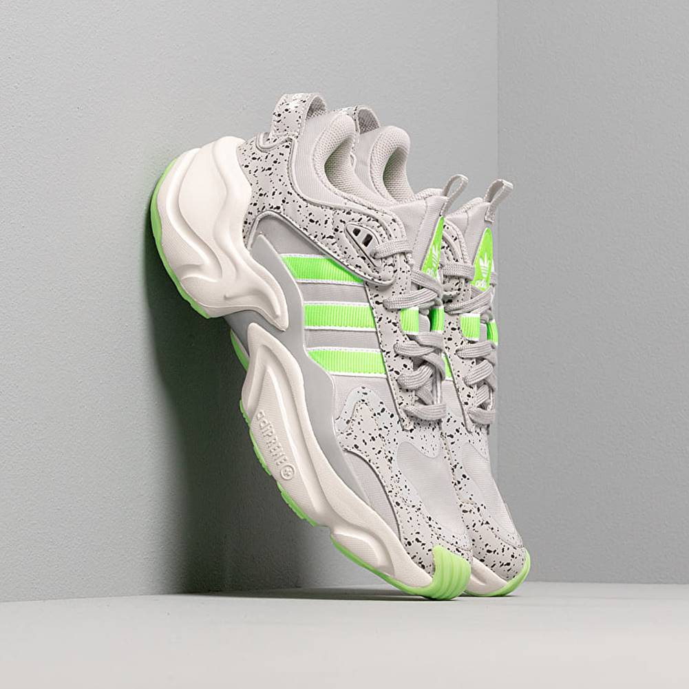 adidas Originals adidas Magmur Runner W Grey Two/ Semi Green/ Raw White