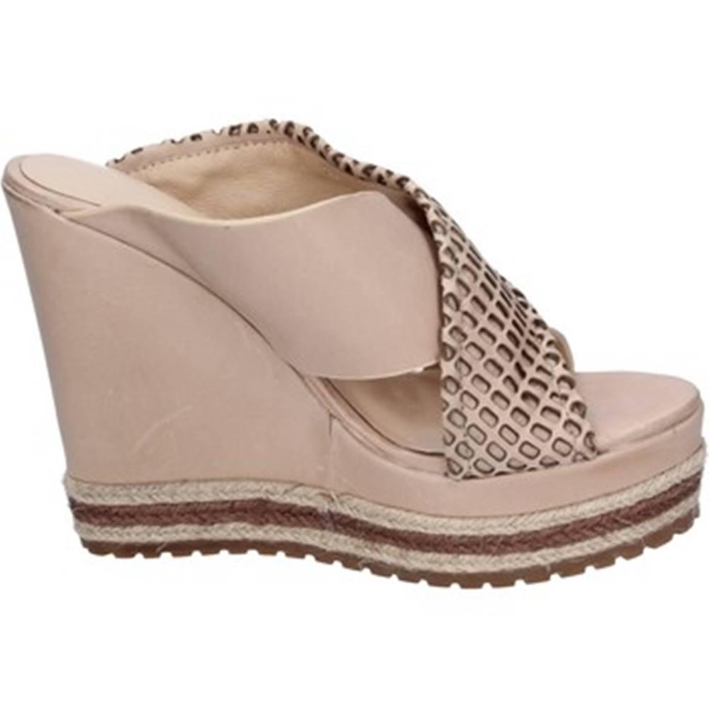 Femme Plus Sandále Femme Plus  sandali beige pelle BT823