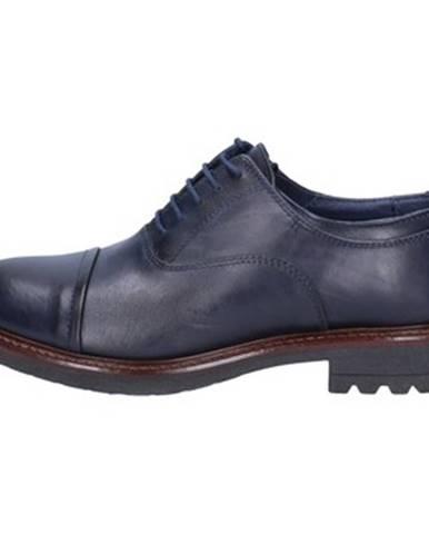 Modré topánky Ossiani