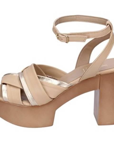 Béžové sandále Jeannot
