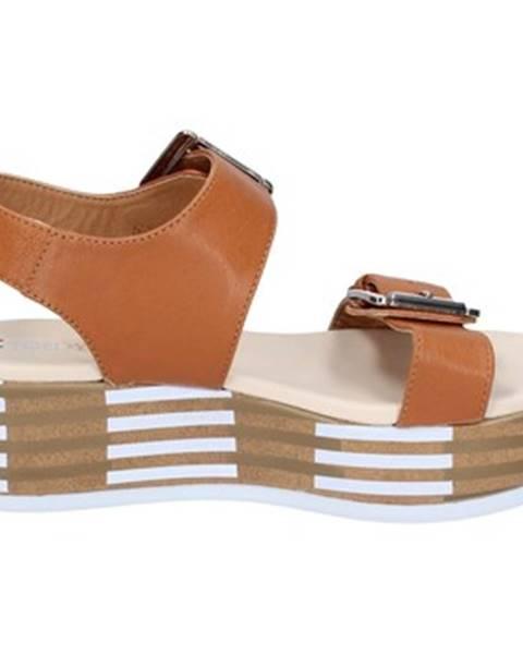 Hnedé sandále Tredy's