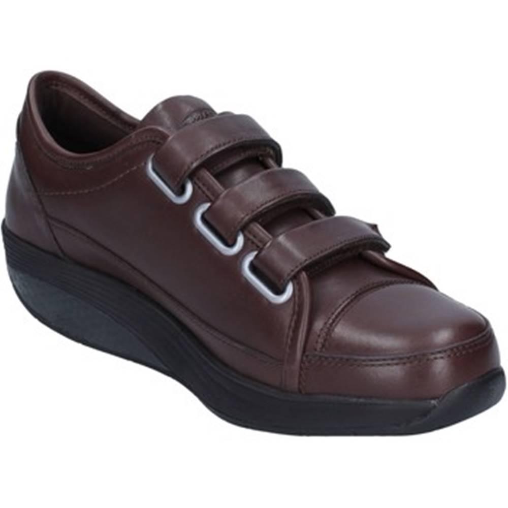 Mbt Nízke tenisky Mbt  sneakers marrone pelle performance AC143