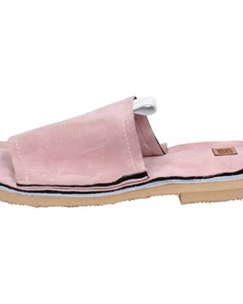 Ružové topánky Moma