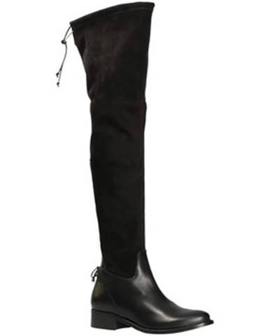 Čierne čižmy Mally