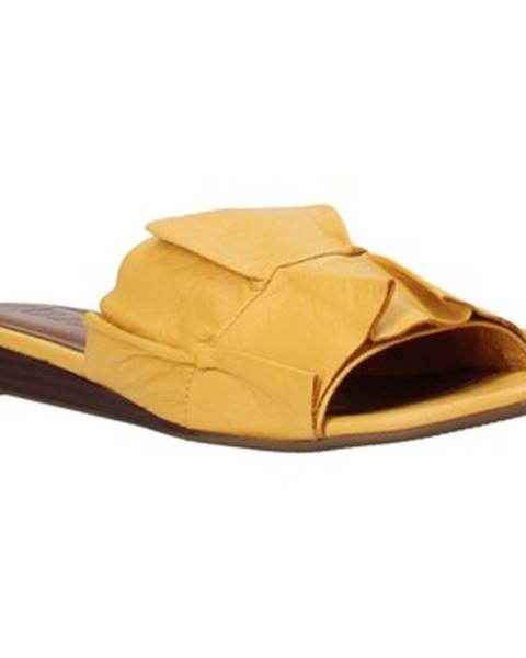 Žlté topánky Bueno Shoes