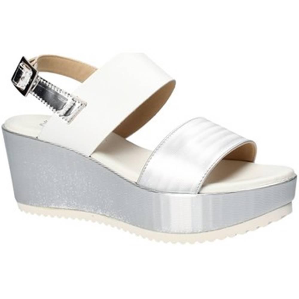 Grace Shoes Sandále Grace Shoes  91 F1 R