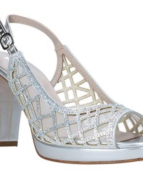Strieborné sandále Comart