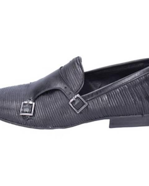 Čierne topánky +2 Piu' Due