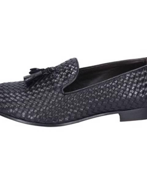 Čierne topánky Domisberla