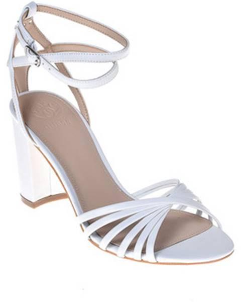 Biele sandále Guess