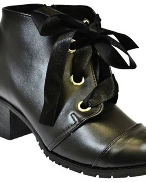 Čierne čižmy John-C