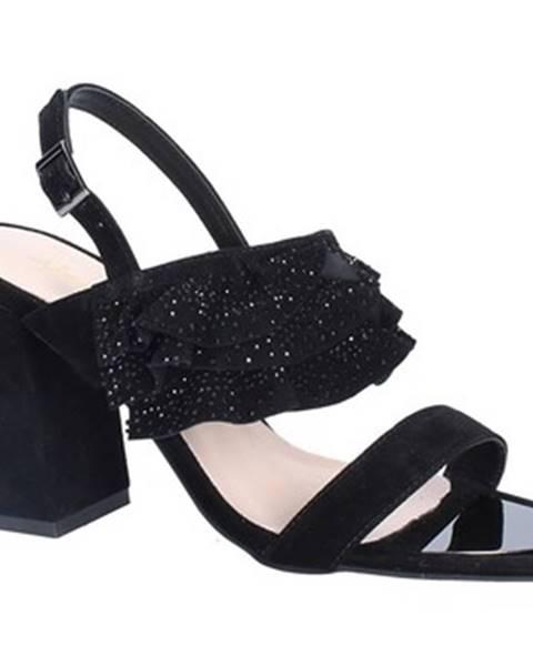 Čierne sandále Alma En Pena