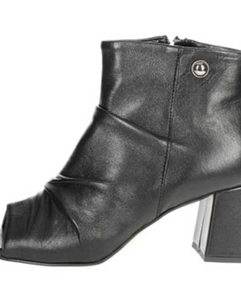 Čierne topánky Kammi