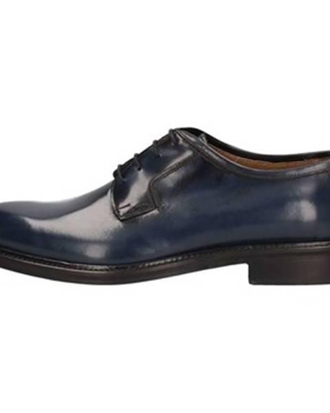 Modré topánky L'homme National