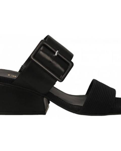 Čierne topánky Carmens Padova