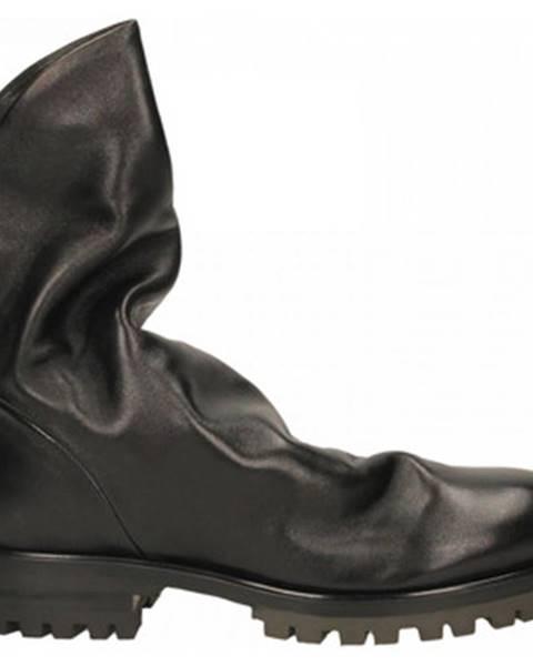 Čierne čižmy Halmanera