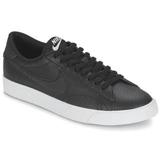 Nízke tenisky Nike  TENNIS CLASSIC AC
