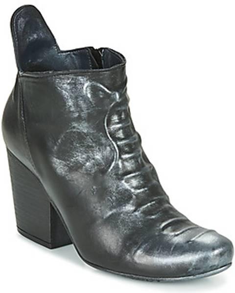 Čierne topánky Papucei