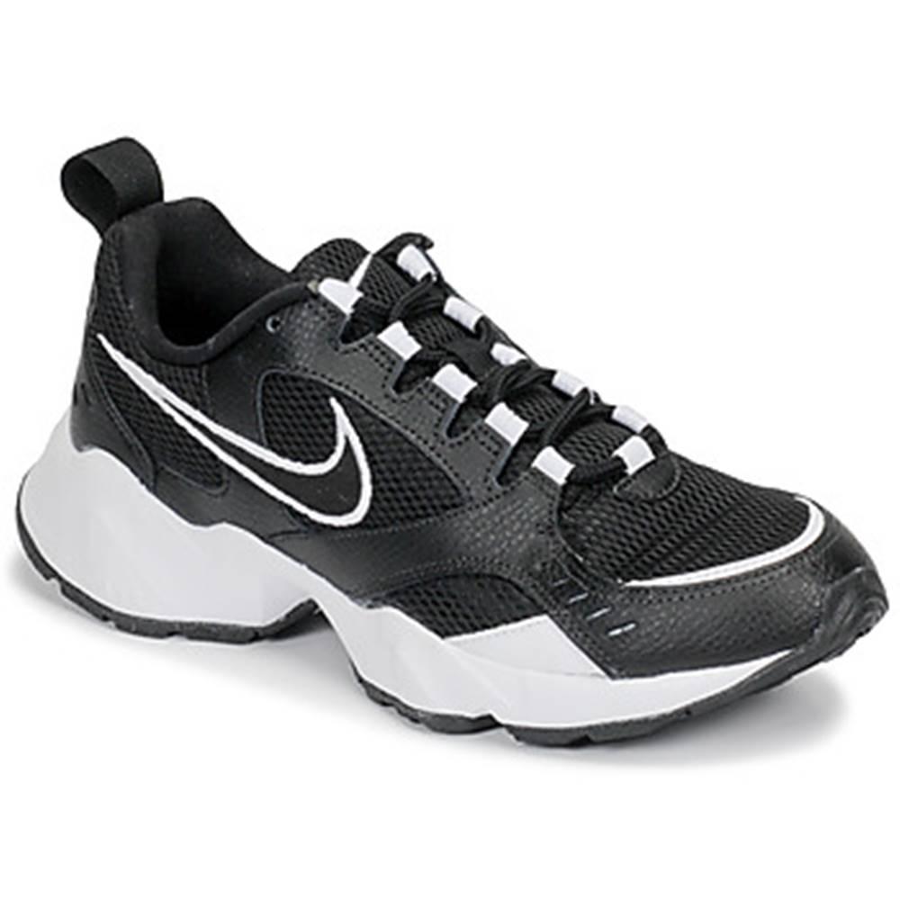 Nike Nízke tenisky Nike  AIR HEIGHTS W