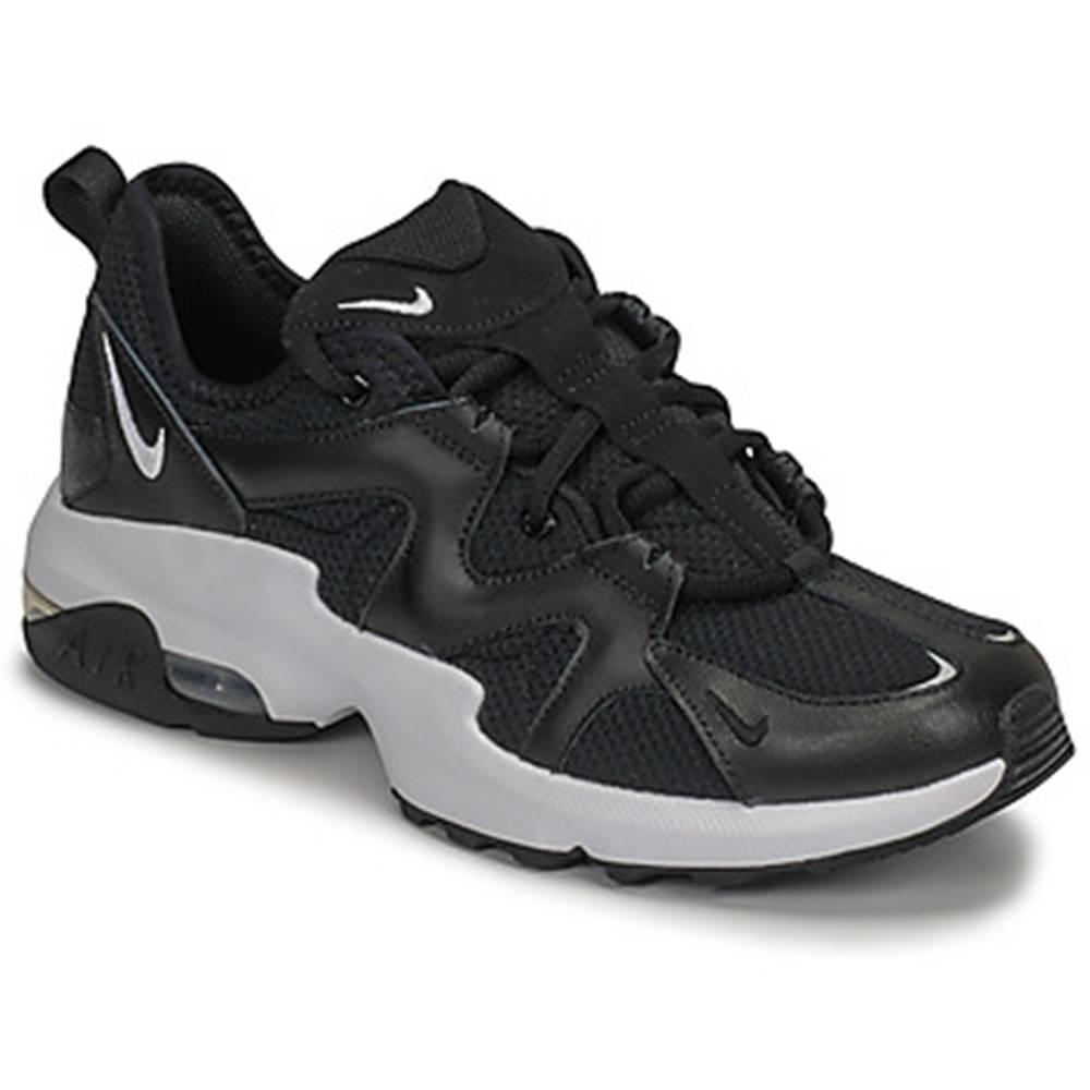Nike Nízke tenisky Nike  AIR MAX GRAVITON W