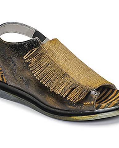 Sandále Papucei