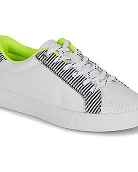 Biele tenisky André