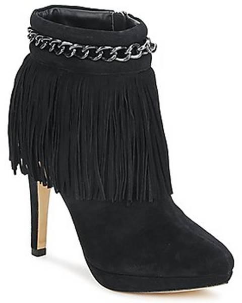 Čierne topánky Bourne