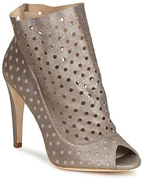 Strieborné topánky Bourne